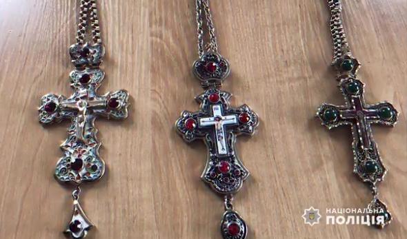 В Ужгороді обікрали церкву: винесли позолочені хрести