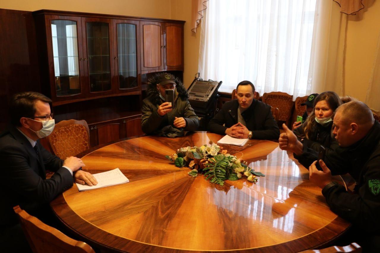 Очільник області зустрівся з учасниками мітингу