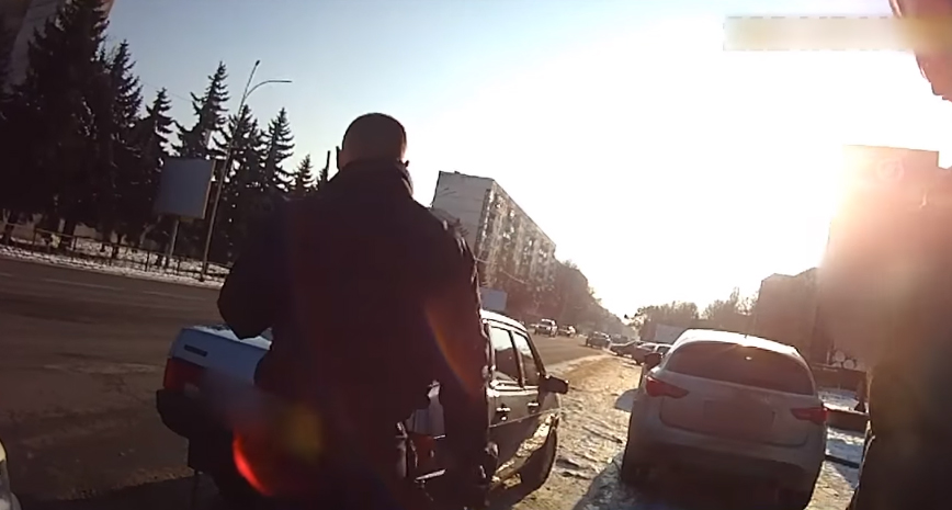 Затримано нетверезого водія, який, ймовірно, здійснив ДТП, побив потерпілого і втік з місця події