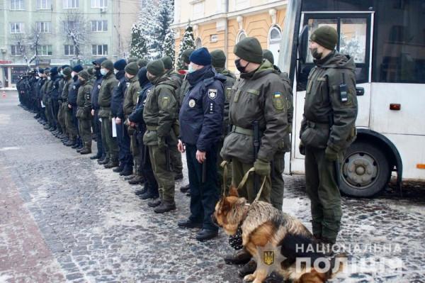 На Закарпатті поліція посилює патрулювання