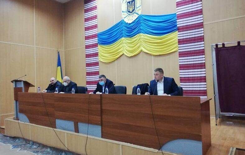 Скандал на Мукачівщині: робота районної ради залишається заблокованою
