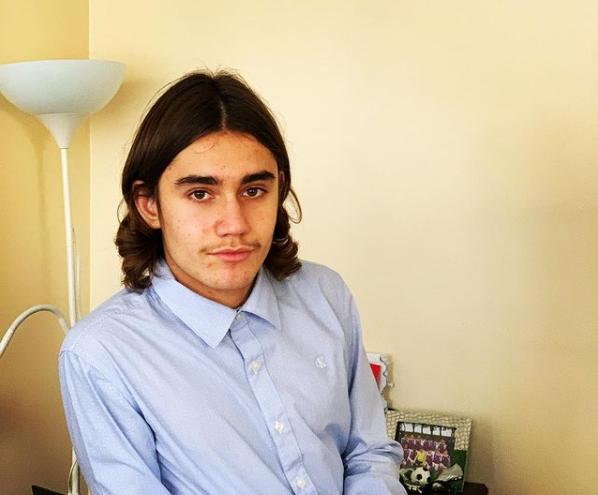 Мати побитого у Франції хлопця розказала нові подробиці про його стан