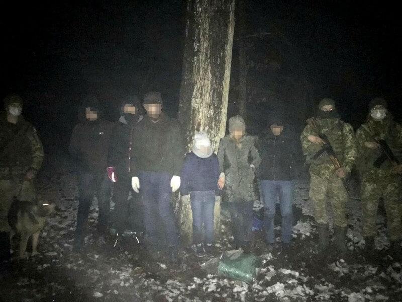 Поблизу кордону зі Словаччиною помітили шістьох іранців
