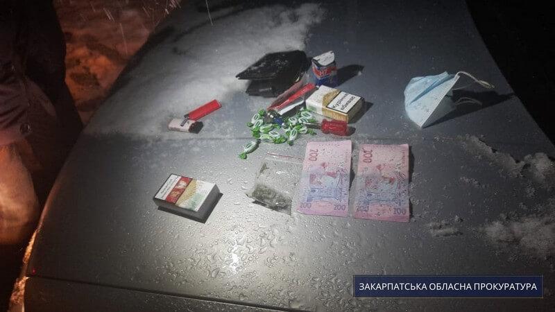 Продавав наркотики жителям району: чоловіка тримають під вартою