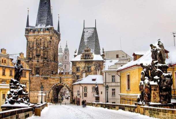Чехія із 30 січня закрила кордони для іноземців через пандемію