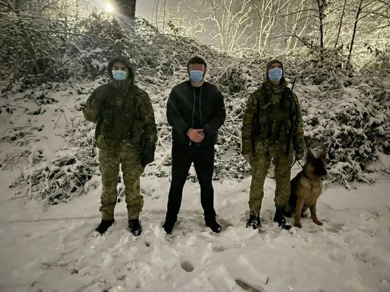 Біля українсько-словацького кордону затримали громадянина Азербайджану