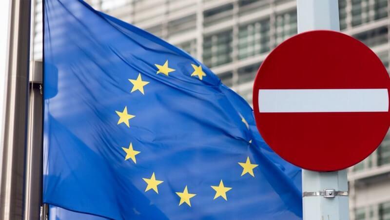 Євросоюз оновив правила пересування і запровадив темно-червоні зони COVID-19