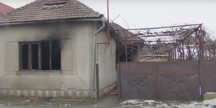Містяни розповіли про загадкову пожежу у Мукачеві