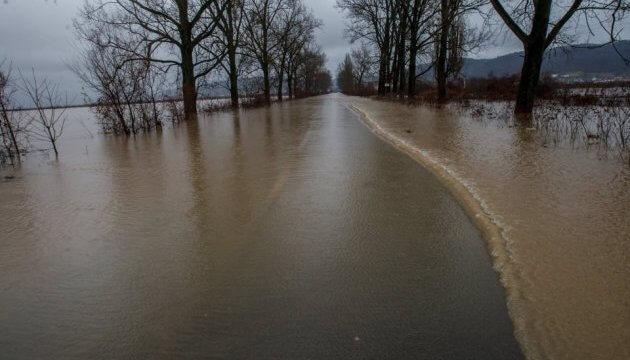 Закарпатців попереджають про ймовірний паводок