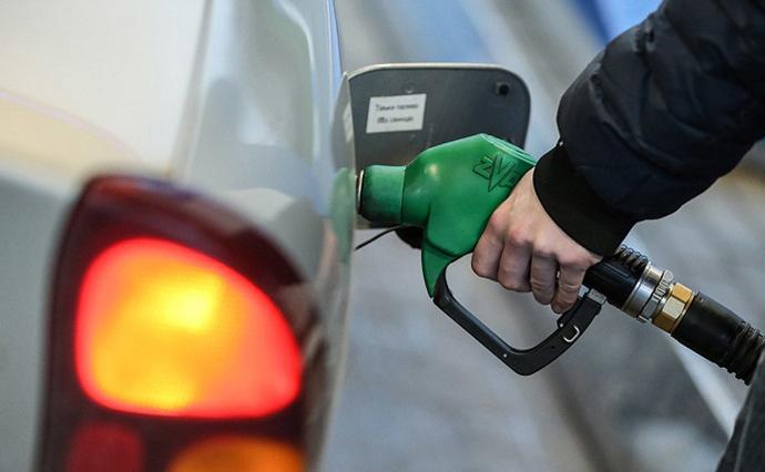 В Україні різко подорожчав бензин