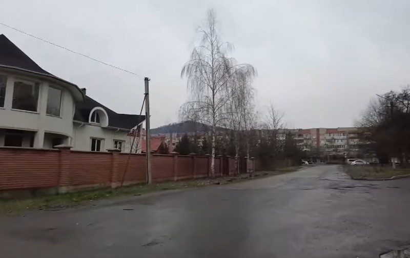 Фейсбук облетіло відео, зняте в Мукачеві. Соцмережі вибухнули коментарями