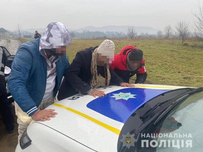Поліцейські розповіли, що сталося під час патрулювання на Тячівщині