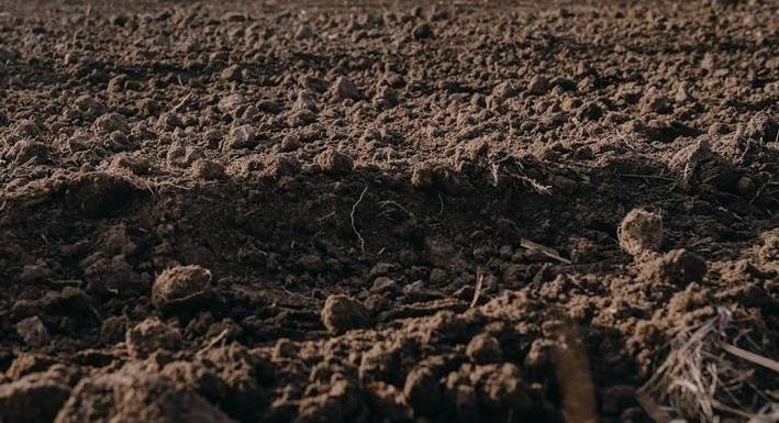 В одному із сіл зсув ґрунту може призвести до руйнування будинку