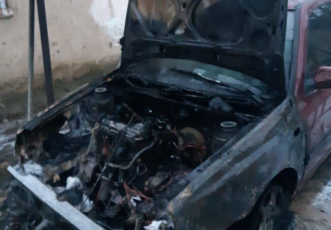 Закарпатець підпалив автомобіль сусідки