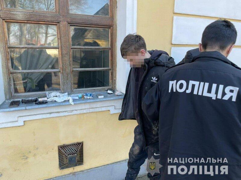 Залишив наляканого приятеля: поліцейські розповіли про випадок у парку Виноградова