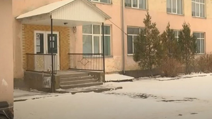 Спортзал перетворився на басейн: побачене в закарпатській школі шокувало всю Україну