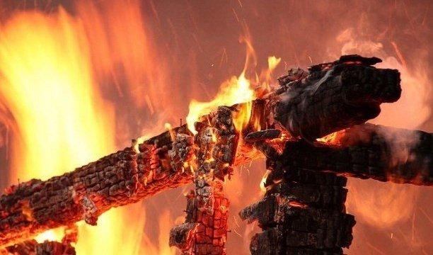 На Ужгородщині палав будинок