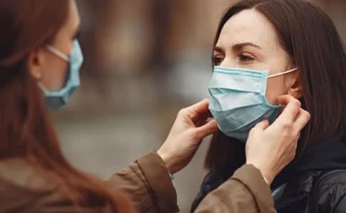 За добу виявили понад 600 хворих на COVID-19: відомо, де в Закарпатській області найгірша ситуація