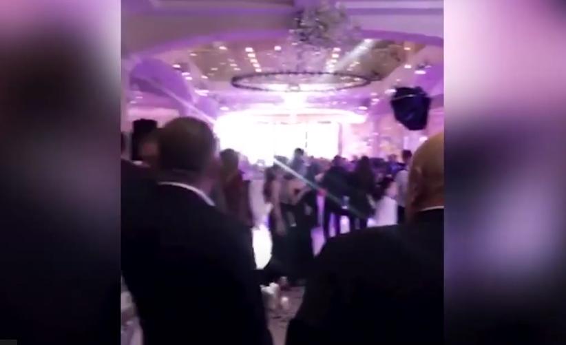 В одному із районів Закарпаття люди масово гуляли на весіллях: поліція показала відео
