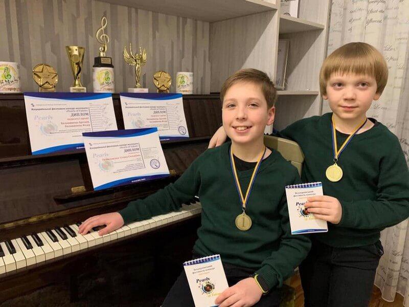 Юні мукачівські піаністи перемогли на всеукраїнському фестивалі-конкурсі