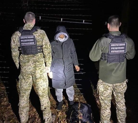 Поблизу кордону зі Словаччиною затримали нелегала