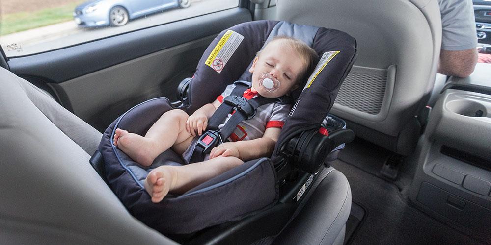 Запрацювали нові правила перевезення дітей в автомобілі