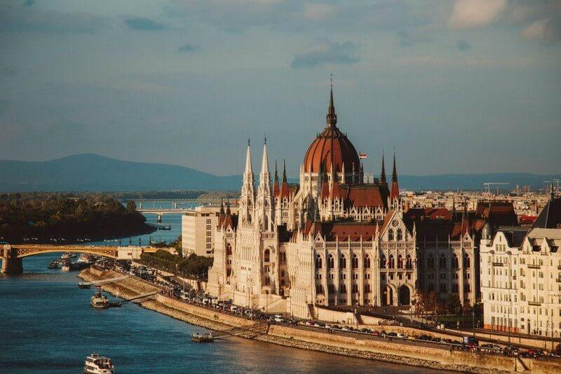 В Угорщині рекордне число нових випадків коронавірусу
