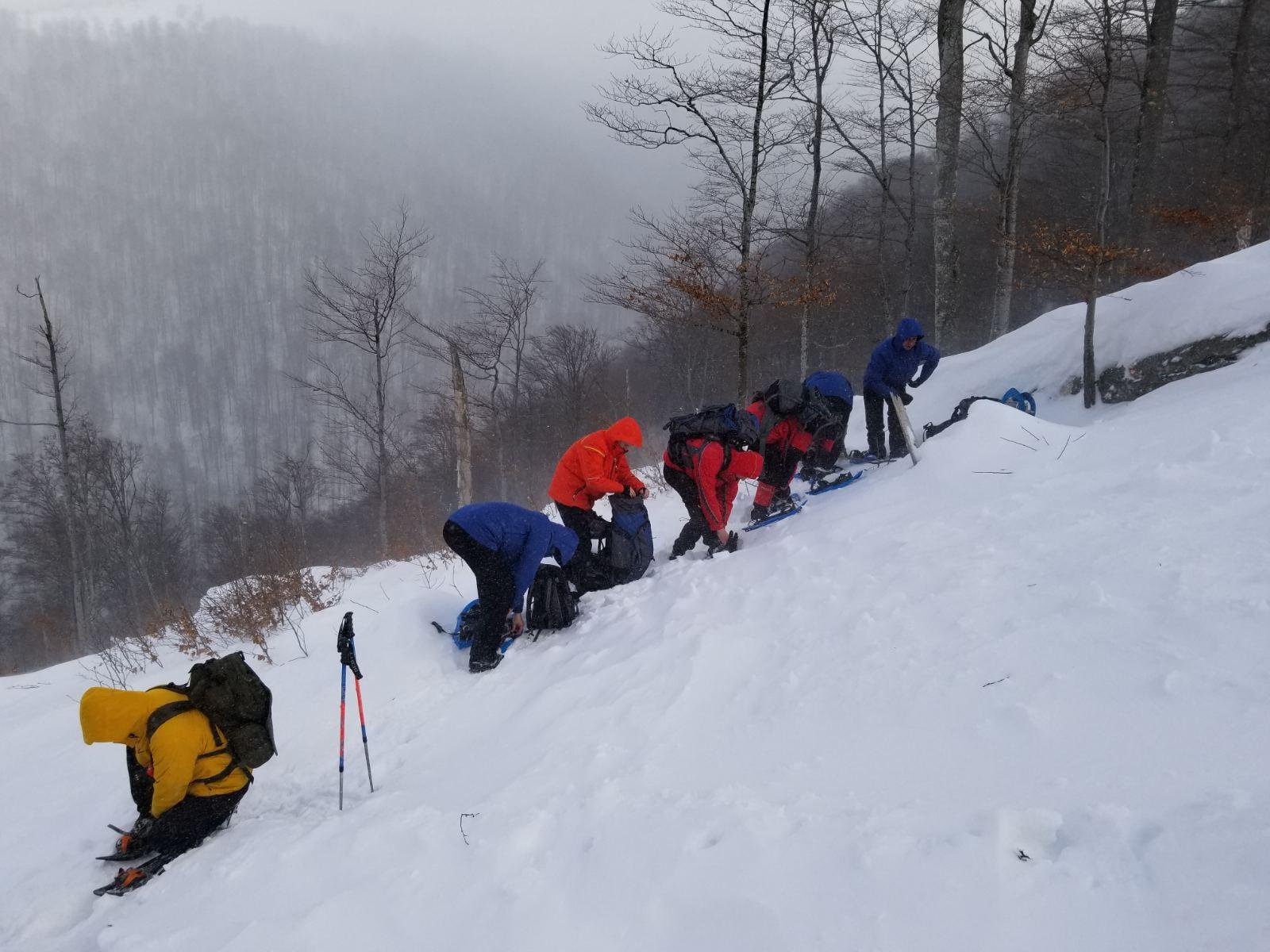 Пошуки зниклого ще 14 лютого туриста на Закарпатті припинили