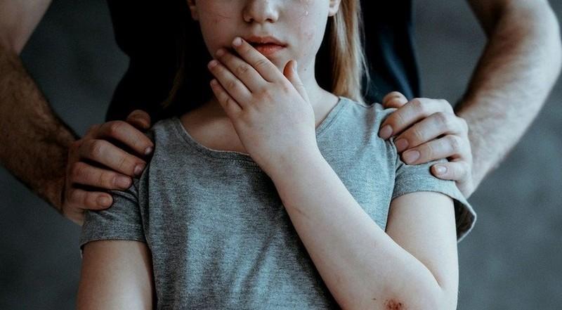 Розбещення малолітніх: в Ужгороді затримали тренера, який чіплявся до неповнолітньої вихованки, – журналіст