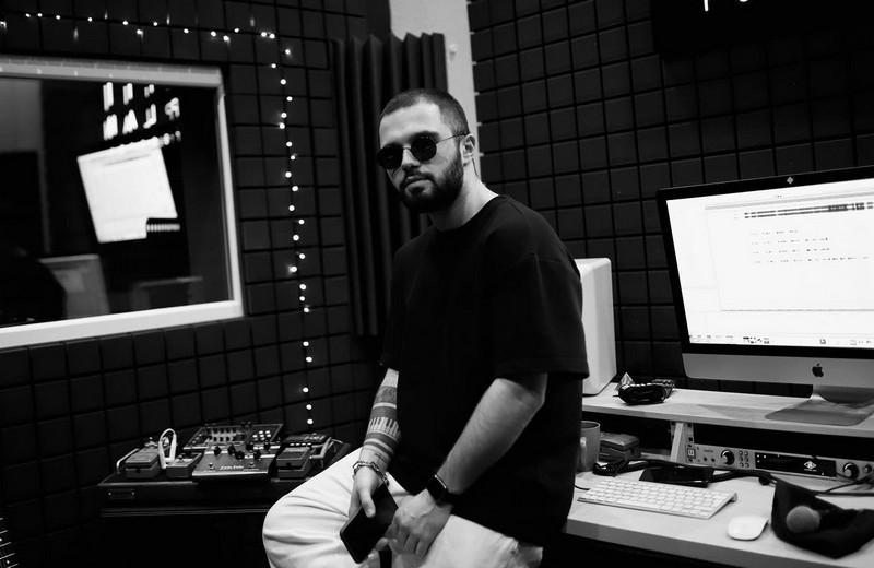 Учасник Голосу країни Сергій Роман презентував нову пісню Monime