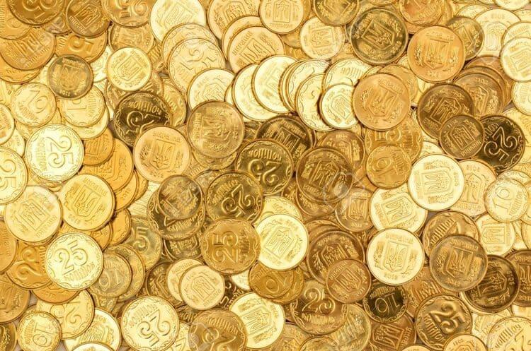 Цінні монети 25 та 50 копійок, за які дають тисячі гривень: як вони виглядають