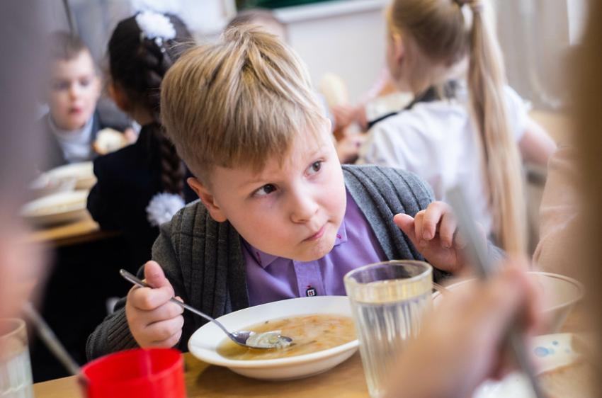 У 136 школах по всій області модернізували їдальні