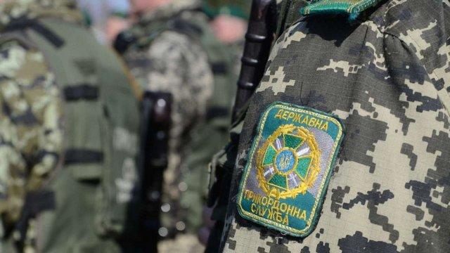 Прикордонники показали, як затримували контрабандистів у гідрокостюмах