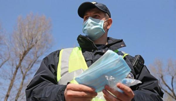 Коли поліція штрафуватиме за відсутність маски на вулиці: роз'яснення