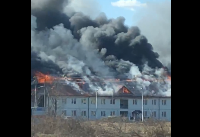 У закарпатському селі Теребля спалахнула масштабна пожежа