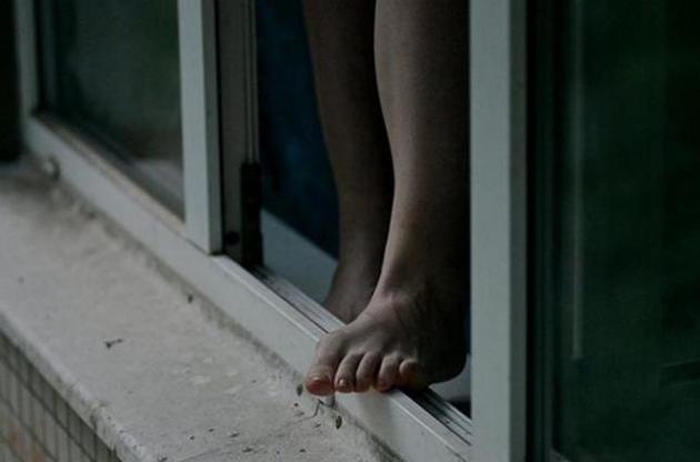 Пацієнтка могла сама вистрибнути з вікна: що відомо про трагедію у лікарні