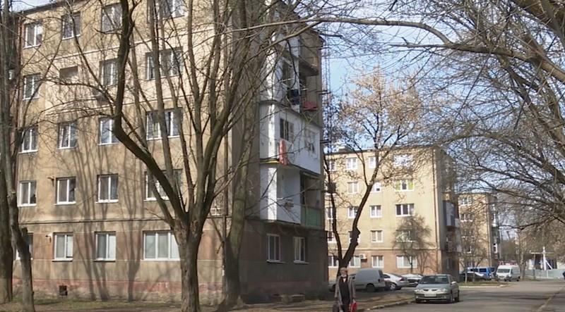 """Ходить """"бригада медиків"""": жителів Закарпатської області попереджають про аферистів"""