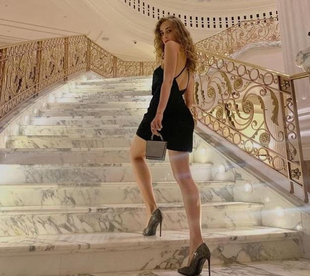 """Скандал у Дубаї: одна з українок запевняє, що вона """"голяка на балконі не фотографувалась"""""""