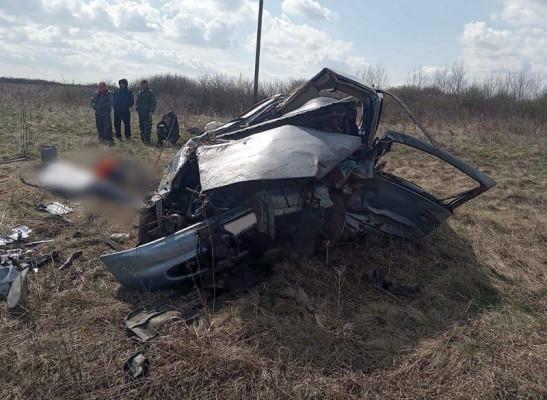 Опубліковано фото з місця моторошної ДТП, в якій загинуло двоє людей