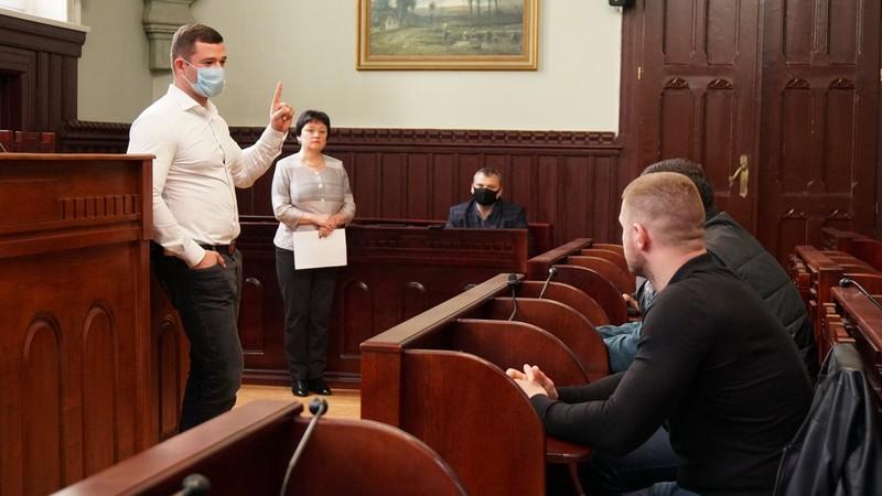 У Мукачеві створять робочу групу, яка регулюватиме роботу таксистів у місті