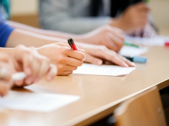 Майже 600 учнів брали участь у пробному ЗНО в Мукачеві