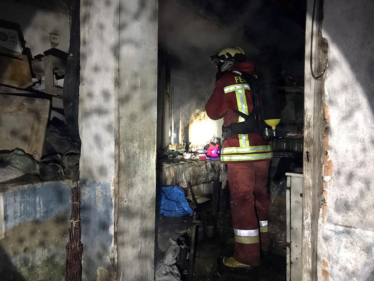 Рятувальники розповіли подробиці жахливої пожежі, в якій загинув чоловік