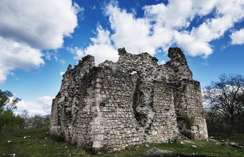 Чотири замки Закарпаття отримали власника