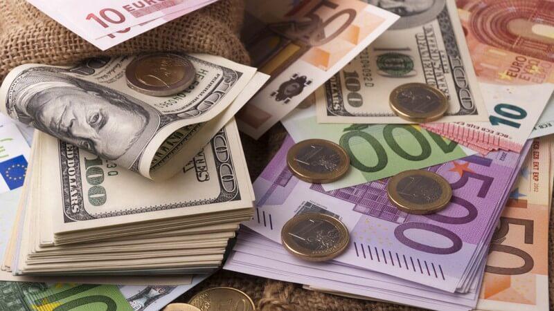 Долар та євро подорожчали: опубліковано курс валют в Україні