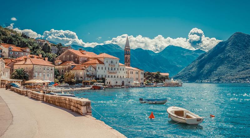 Одна з країн Європи скасовує всі обмеження для туристів з України