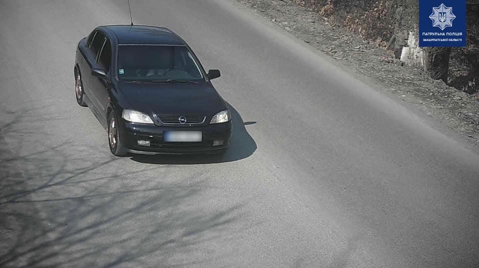 Поліцейські розшукали дівчину, яку підозрюють у вчиненні ДТП та втечі з місця події