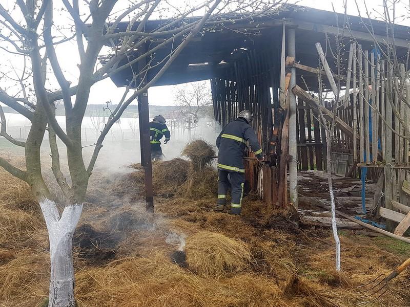 Іршавські рятувальники ліквідували пожежу