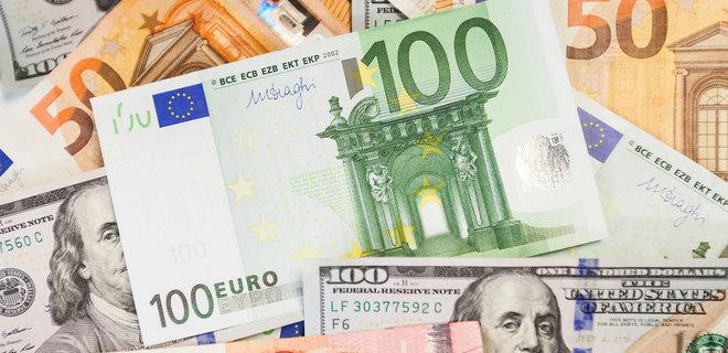 Курс долара та євро на 23 квітня – європейська валюта продовжує стрімко зростати