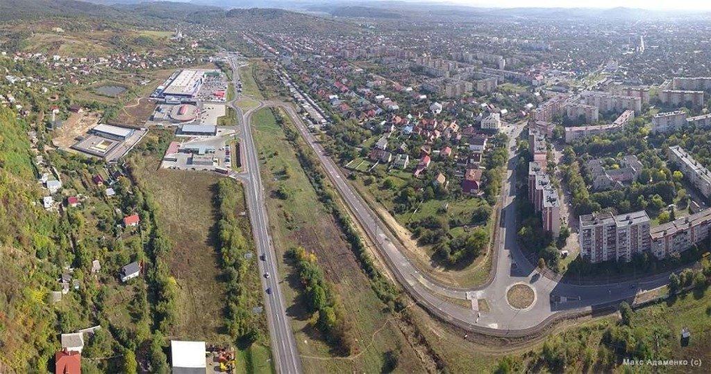 На двох перехрестях Мукачева планують облаштувати круговий рух
