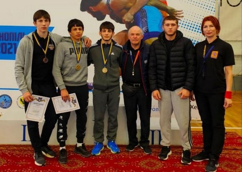Закарпатці перемогли на чемпіонаті України з греко-римської боротьби серед юніорів